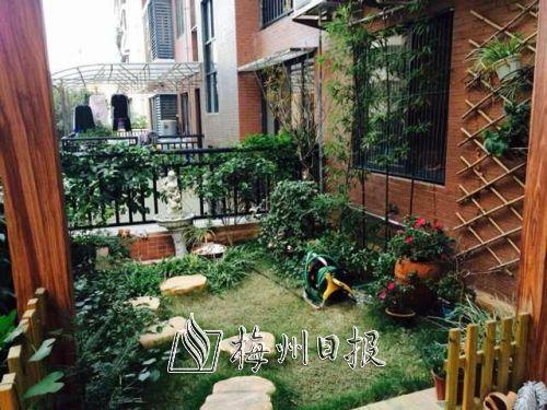 入户式花园实现了人们将花园引入住宅的梦想,形成真正的立体园林景观.图片