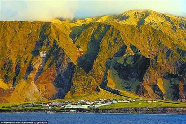 特里斯坦·达库尼亚群岛地处偏远,人口稀少. - news.21cn.com