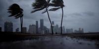 """当地时间9月10日,飓风""""艾尔玛""""前锋抵达美国佛罗里达州沿海地区。 - News.Ycwb.Com"""