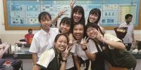 ▲6月8日,高考结束后,东莞中学的考生拍留念照 资料图 记者 陈帆 摄 - 新浪广东