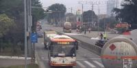 好样的!摩托车被拖行自燃,南沙辅警英勇扑救 - 广东大洋网