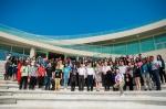 全球青年创新集训营活动与会人员合影 - 新浪广东