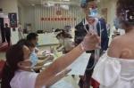 """提前1个月抢号预约 广州多对新人昨日""""拉埋天窗"""" - 广东大洋网"""